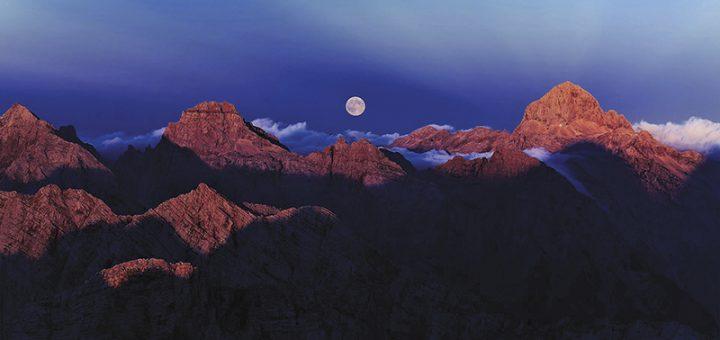 Mjesec iznad Triglava